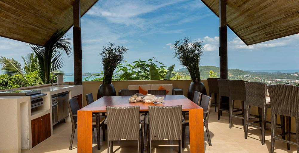 Purana Residence at Panacea Retreat - Outdoor dining in sala